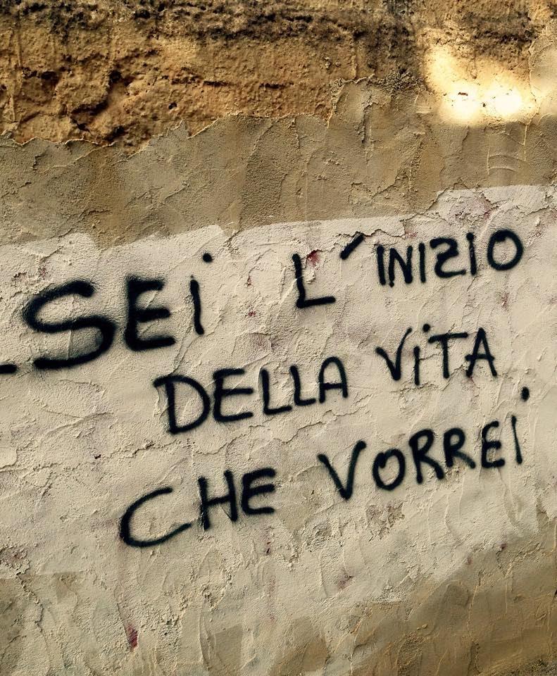 Iliubo scritte sui muri inneggianti al bene e al male for Scritte tumblr sui muri