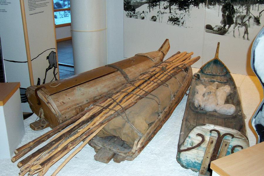 кожаная лодка эскимоса