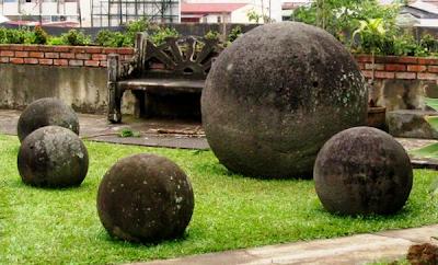 .+Giant+Stone+Balls+of+Costa+Rica 10 Penemuan Benda Prasejarah yang Masih Jadi Misteri Sejagat Raya
