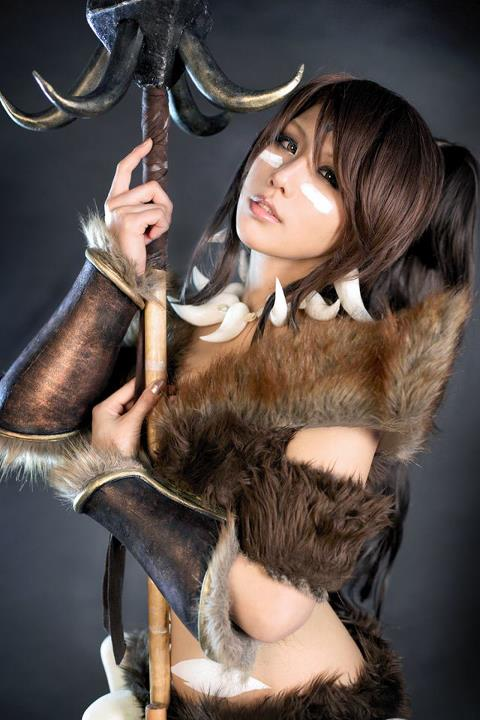 [Obrazek: LEAGUE_OF_LEGENDS_Nidalee_cosplay_03.jpg]