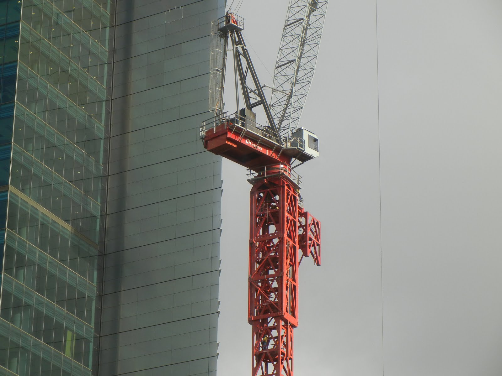 Tower Crane Climbing : Sydney australia self climbing tower crane