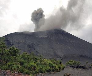 Volcano_Yasur_in_Vanuatu_eruption