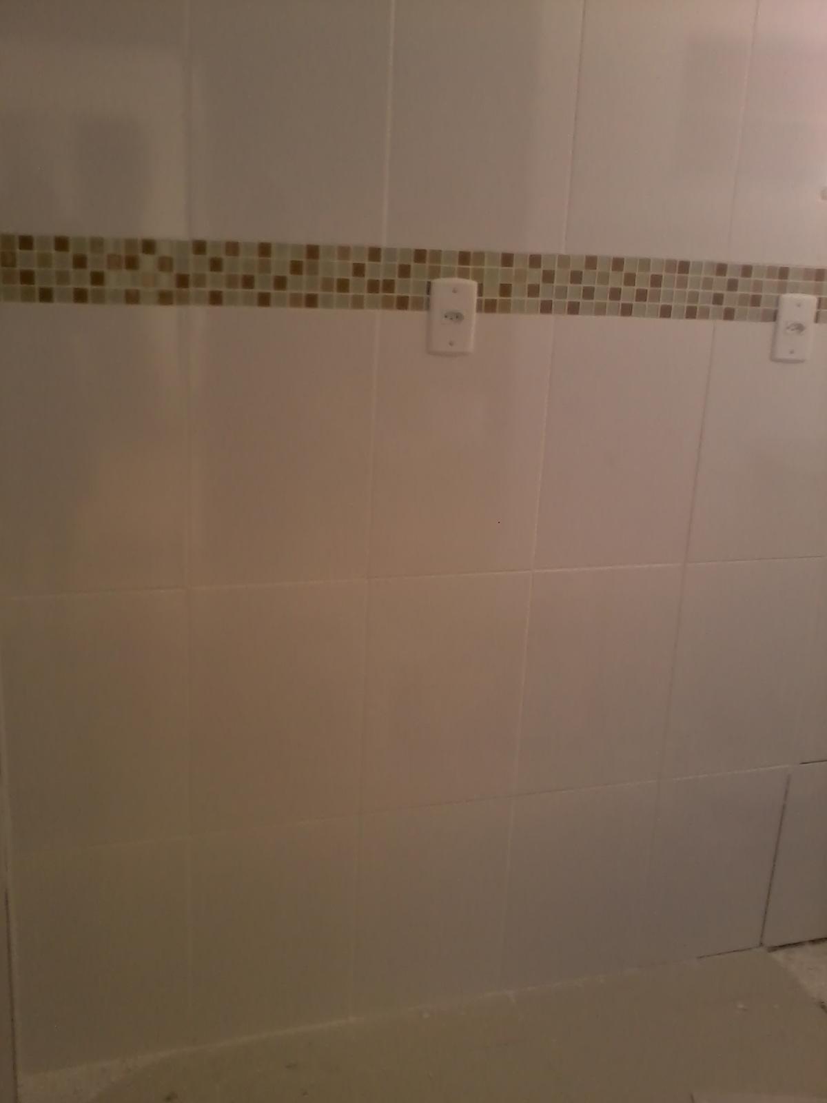 APARTAMENTO EM REFORMA: ''cozinha e banheiro pastilhas''  #49351E 1200x1600 Banheiro Com Pastilhas Marron