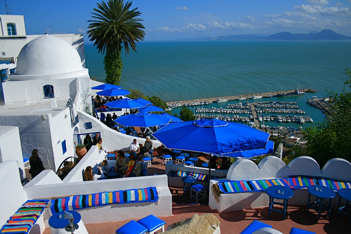 Tunisia a nice place ao t 2012 for Salon 9 places tunisie