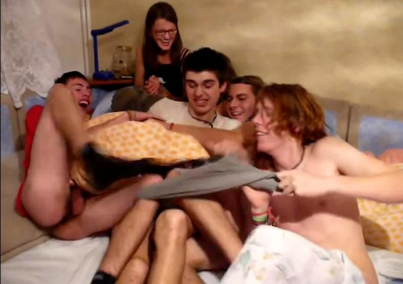 naked twinks fight