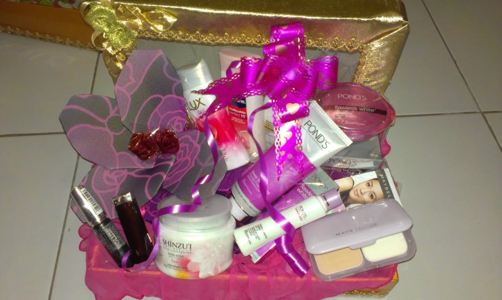 Hasil gambar untuk paket kosmetik seserahan