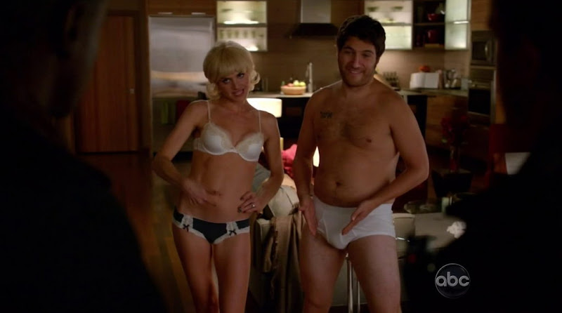 Adam Pally Shirtless in Happy Ending s2e10