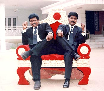 Watch Vetri Kodi Kattu (2000) Tamil Movie Online