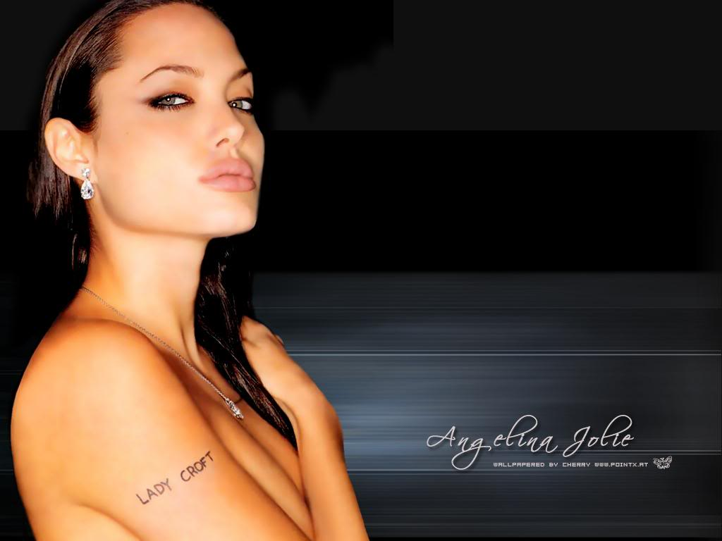 http://1.bp.blogspot.com/-qoNpI0TL_6k/UHeSkagAvaI/AAAAAAAAGHI/sFiBcwbcaMc/s1600/Angelina_Jolie_without_clothes_8SIZ.jpg