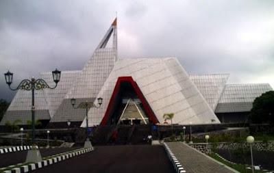 MUSEUM GUNUNG MERAPI ( edukasi dan konservasi)