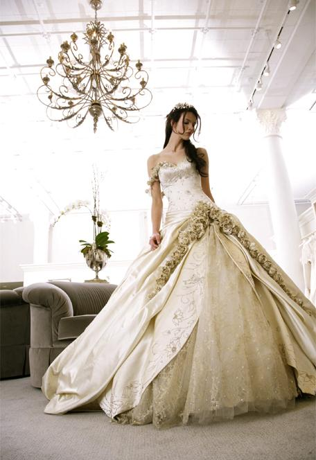 ball grown wedding dress