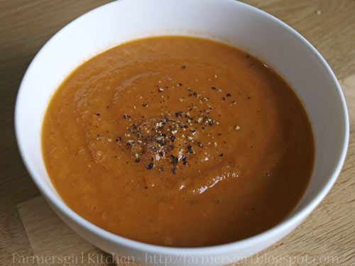 Farmersgirl Kitchen: Sundried Tomato and Carrot Soup