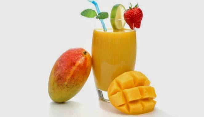 Mangga mengandungi sumber vitamin C. Secawan jus buah mangga dapat membekalkan vitamin C yang dapat membantu sistem imun badan anak supaya lebih sihat serta untuk pembentukkan gigi dan gusi yang sihat. Boleh juga dipelbagaikan hidangan mangga seperti smoothies, puding atau juga boleh dimakan begitu sahaja.