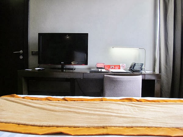 F1 Hotel Manila Fort Suite Room