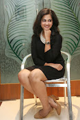 Nandita raj sizzling pics in black-thumbnail-15