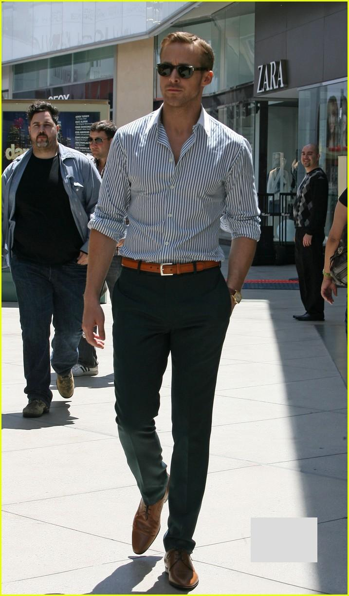 Ryan Gosling Suit Perfect in every way
