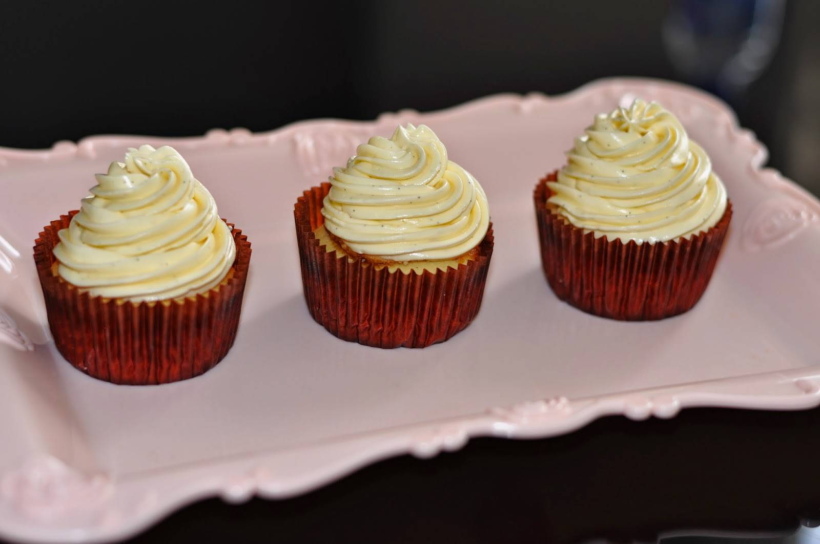 Vanilla Bean White Cupcakes (from my baking addiction . Make around 20 ...