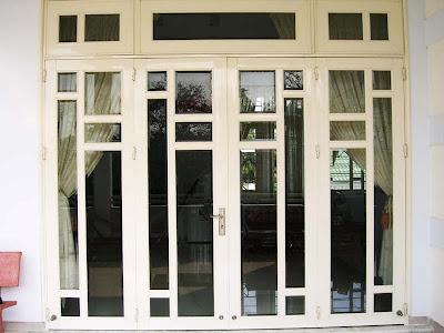 cửa đi nhôm kính 5