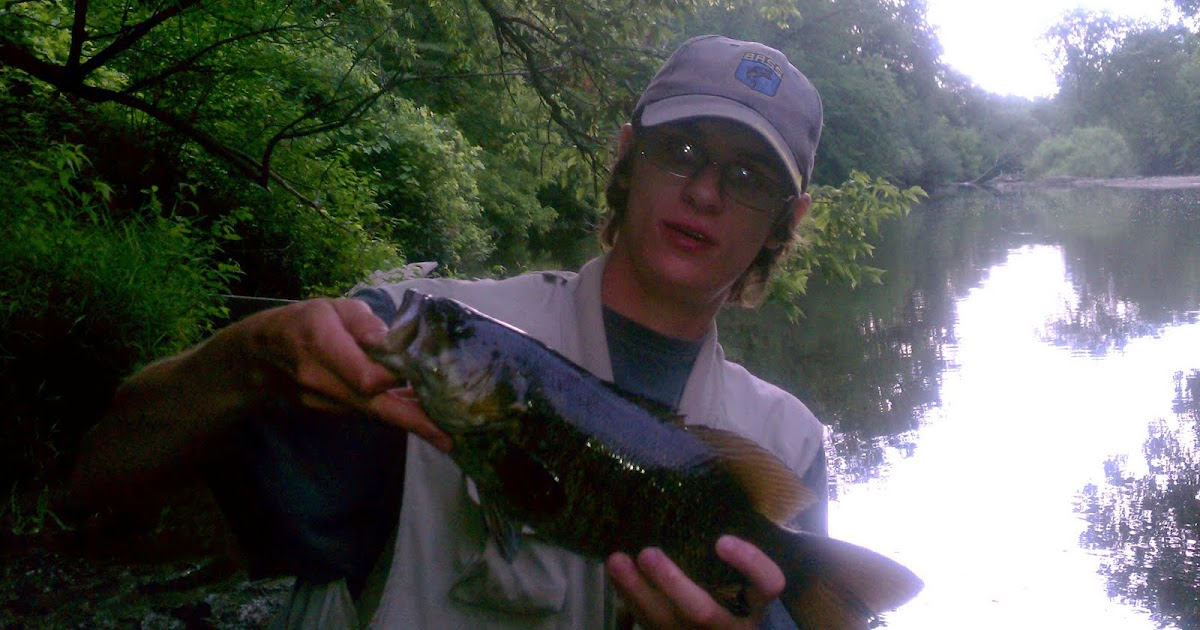 Illinois wisconsin fishing smallmouth bass on the for Milwaukee river fishing