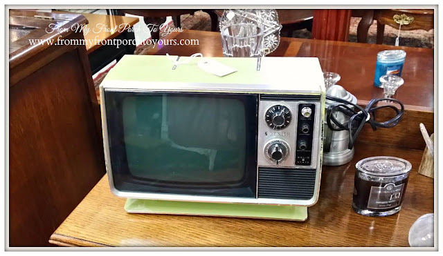 Vintage Zenith T.V.-A Day Antiquing- Antique Shopping