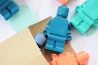 http://thecuriouslifeoflisa.blogspot.co.uk/2015/05/diy-lego-crayons.html