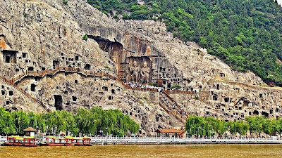 Longmen Grottoes, Candi Gua Buddha yang Megah di China