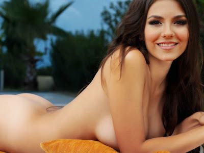 Victoria Justice Nice Nude Sexy Ass Near The Pool