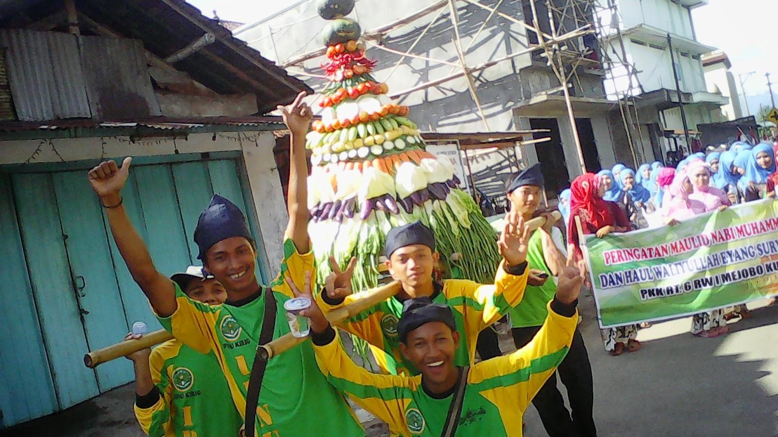 IPNU-IPPNU Ranting Kirig Ikut Serta Kirab Budaya dalam Rangka Haul Mbah Eyang Suryo Kusumo
