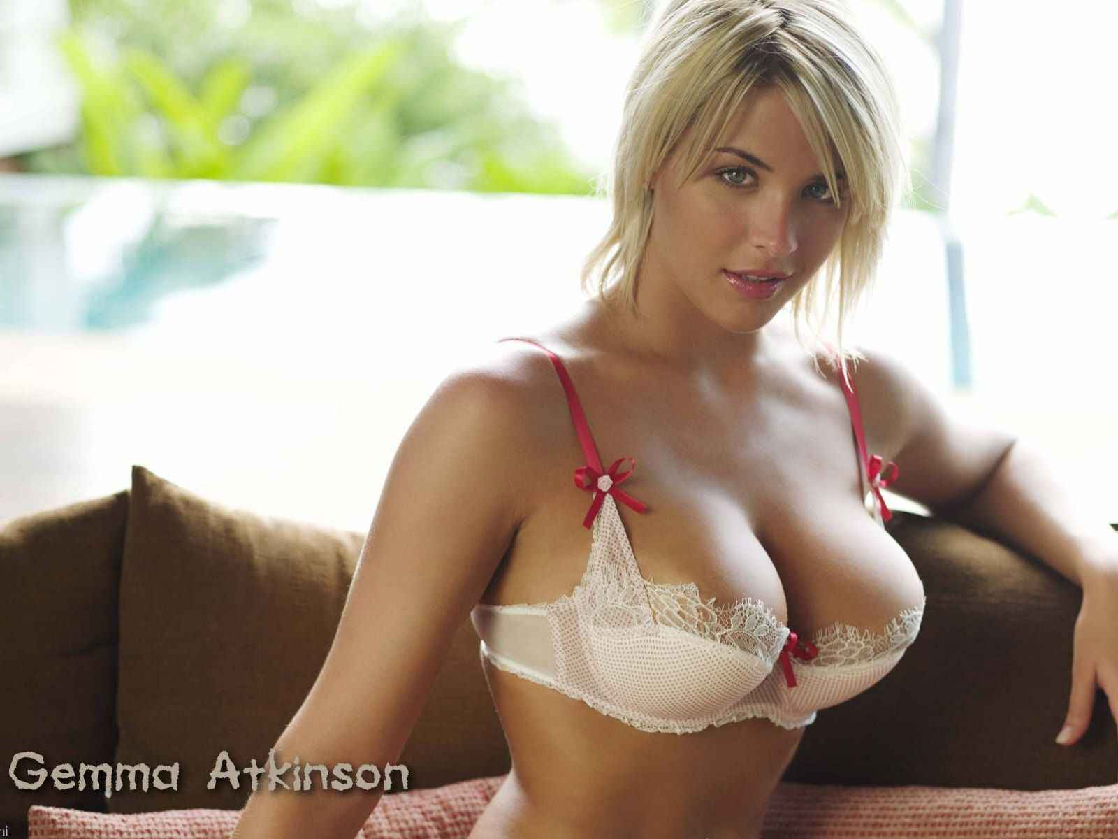 Gemma Atkinson With Lingerie Gallery Girls Idols Wallpaper