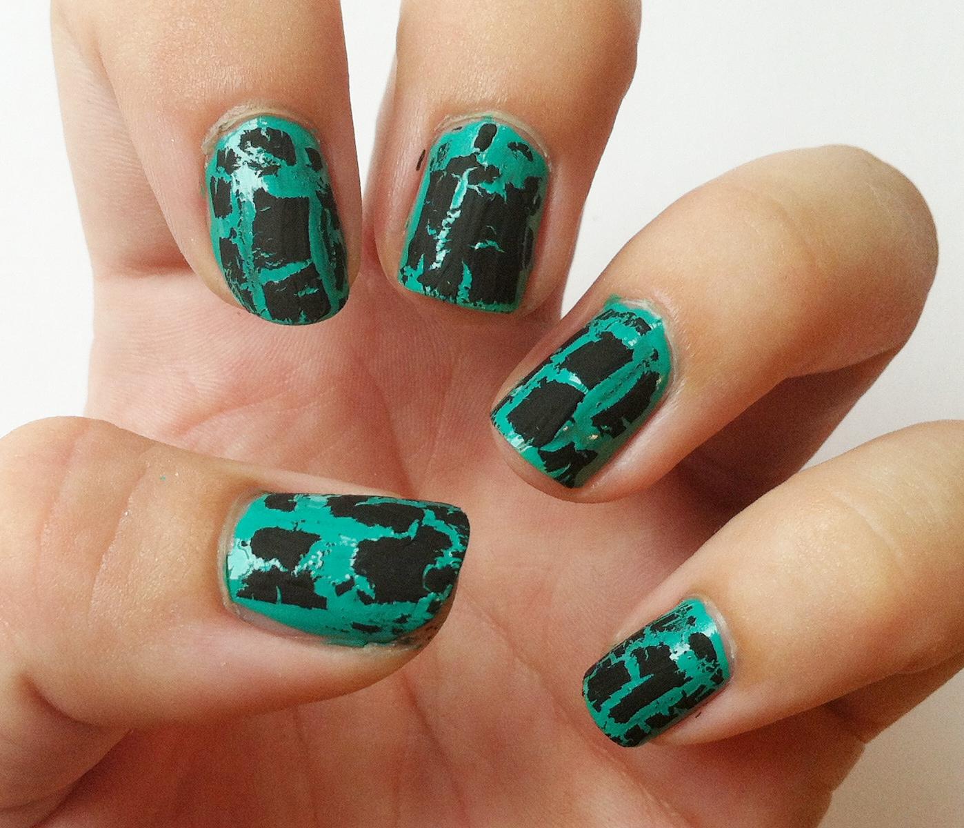 how to make nail polish crackle on plastic