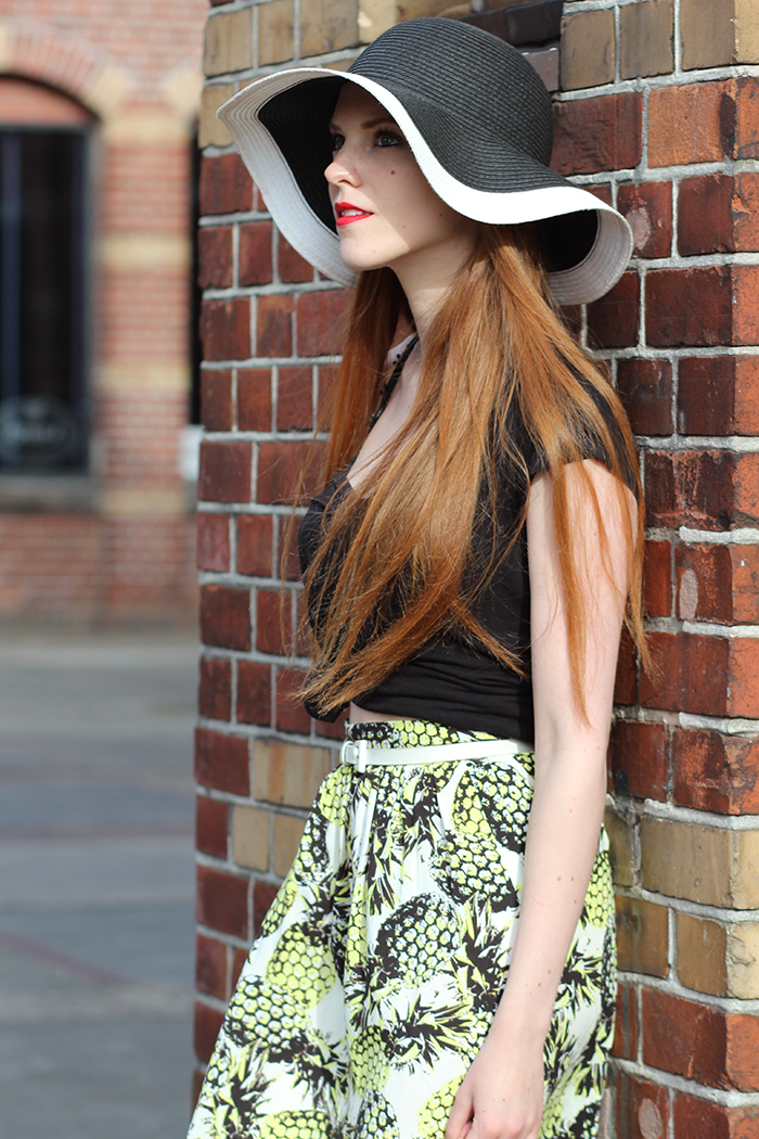 Amsterdam Fashion Week Blogger Outfit Retro Chique Summer 2014 Pineapple Primark Skirt Vintage