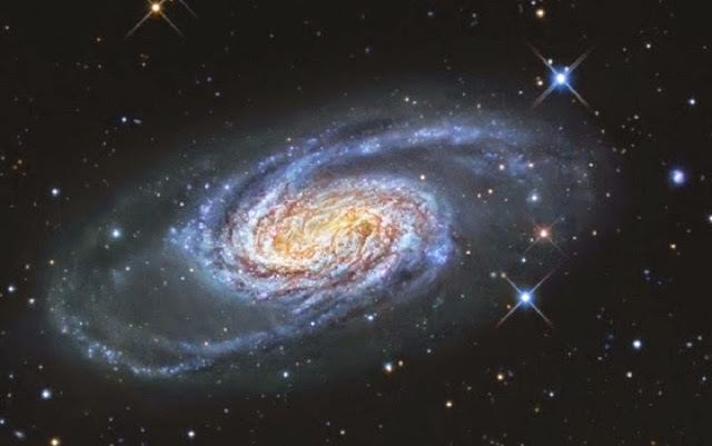 galaxia espiral barrada NGC 2903