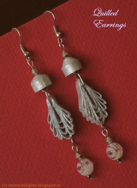 quilled white-silver earrings