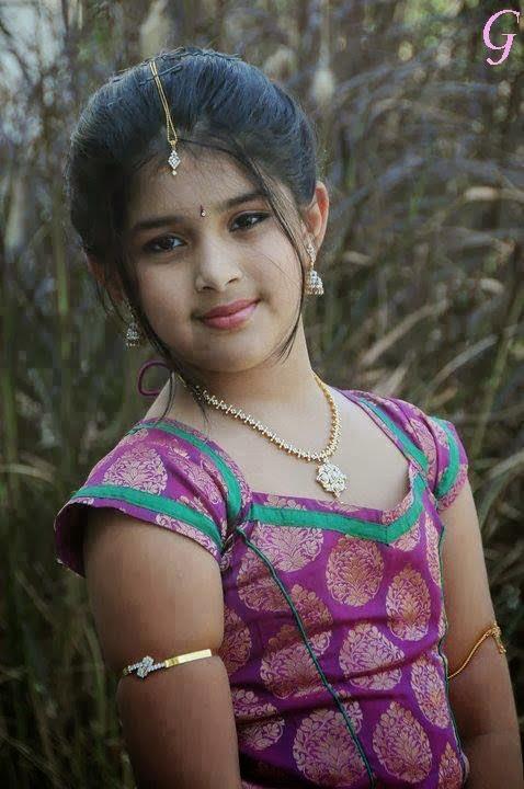 Foto cantik anak kecil dari india