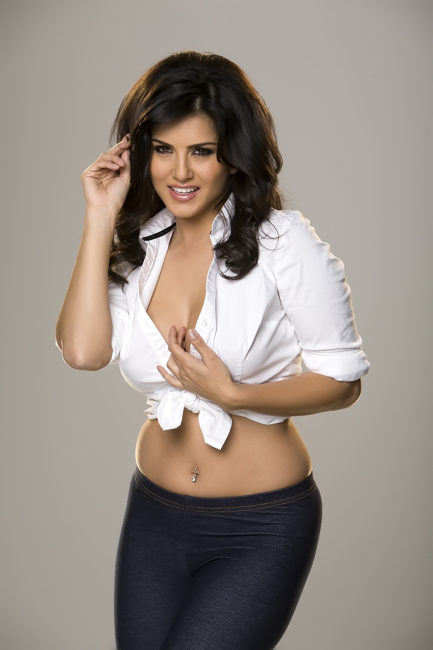 Think, that Sunny Leone nude white shirt interesting