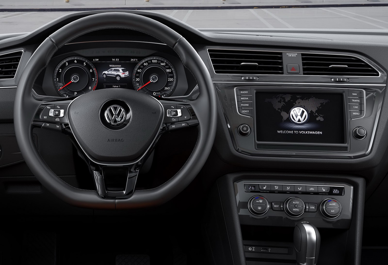 2017 vw tiguan is bigger more mature and more premium for Interieur tiguan 2017