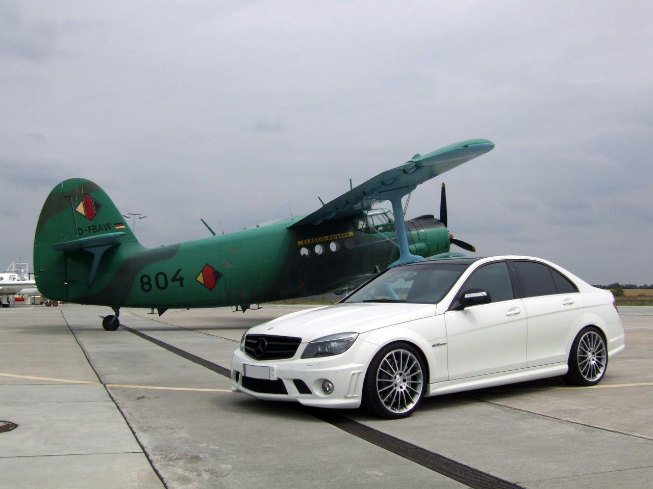 http://1.bp.blogspot.com/-qqzALJvg1R0/T_0uUNNiU1I/AAAAAAAADlE/jn8sXv6rIAo/s1600/Mercedes-Benz-C63-AMG-Wallpaper.jpg
