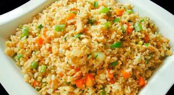 lebih lezat dibuat nasi goreng daripada nasi yang baru matang