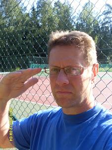 Tennisvalmentaja Olavi Lehto Tampere