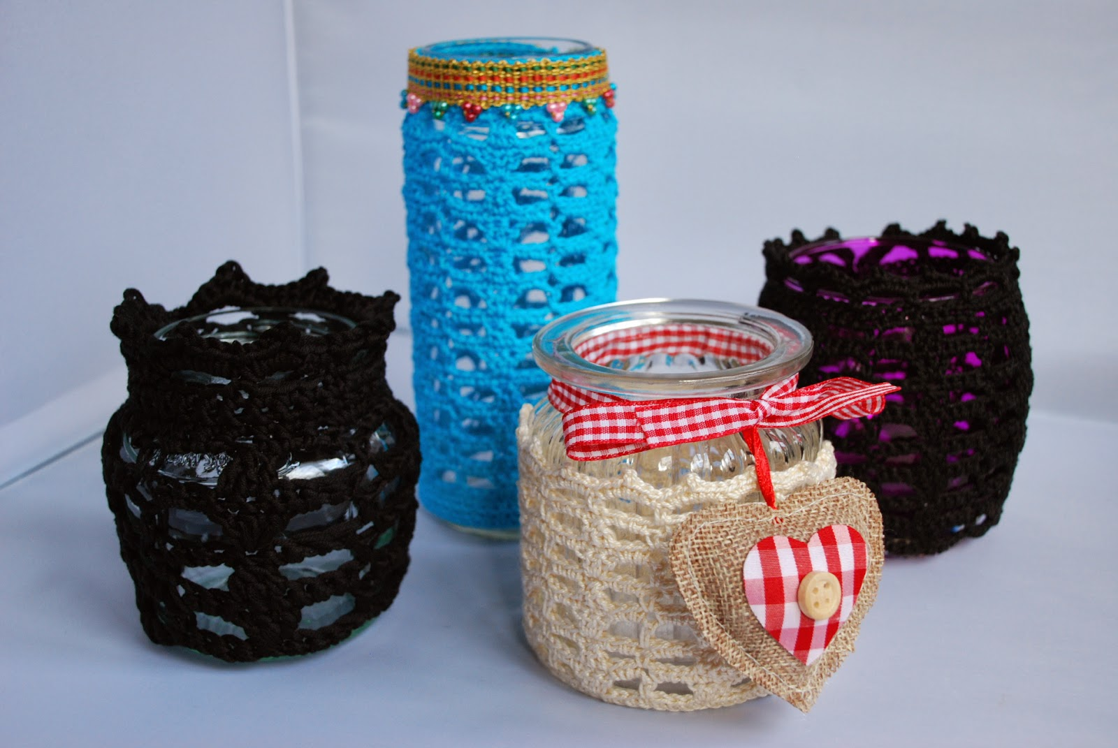 Crochet votive jar cosy pattern and tutorial: image of Moroccan inspired crochet votive jar cosy by Amjaylou