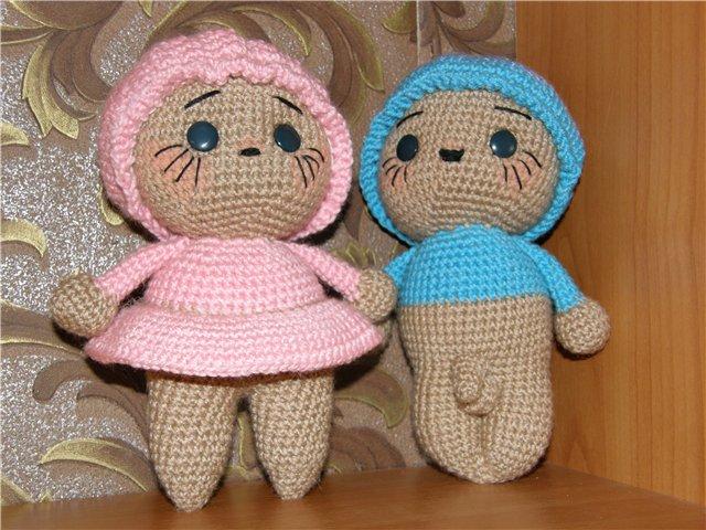 Крошки мальчик и девочка