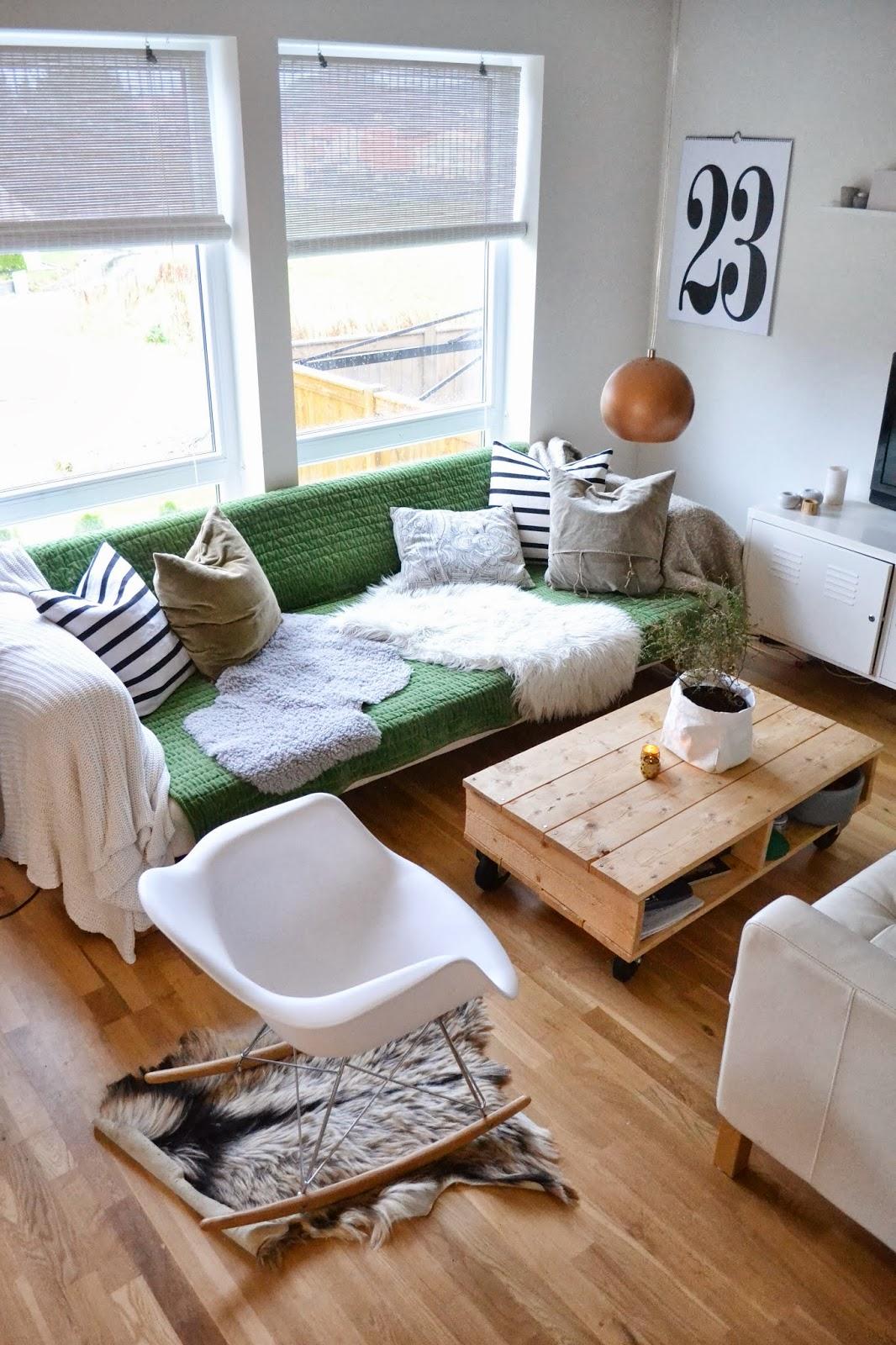Silje vaniljeis: grønn sofa!?