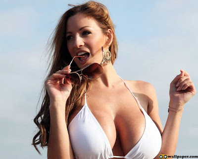 Kat Dennings Bikini