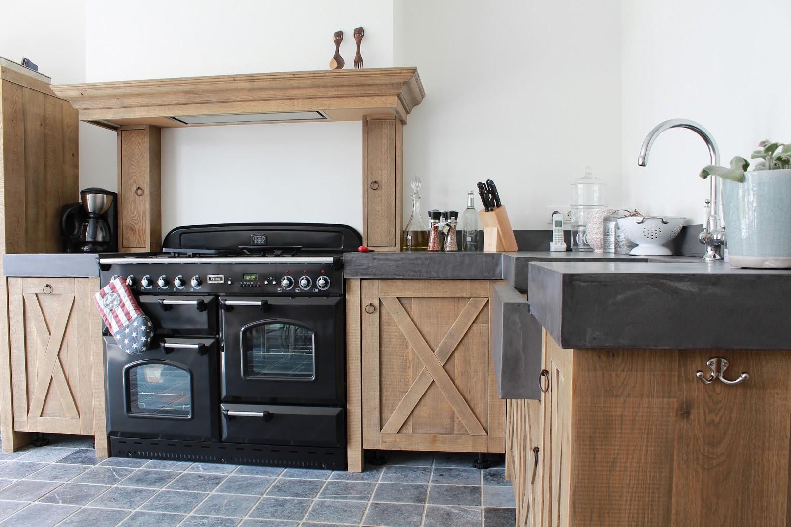 Keuken Hout Kind : Steigerhouten keukens & sloophouten keukens met betonstuc aanrechtblad
