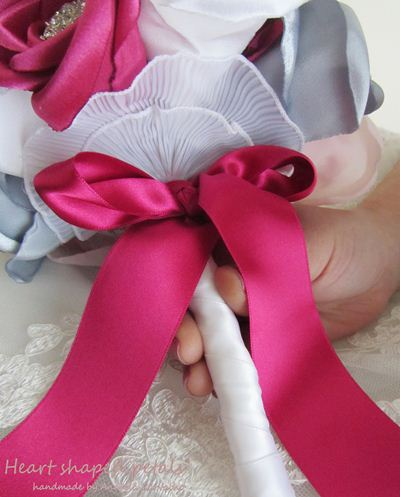 Bridal bouquet in pink and silver