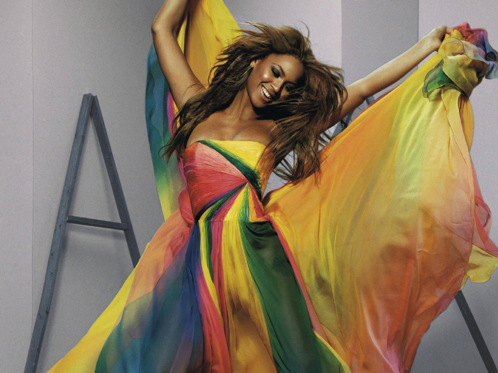 http://1.bp.blogspot.com/-qsAMGoY7D5Y/UCPW5zA9kGI/AAAAAAAAQ9Y/SQ1yBy-3n90/s1600/Beyonce+new+pic+2012+10.jpg