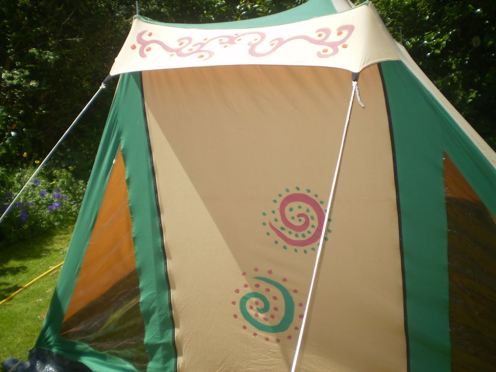 painting a canvas tent with fabric paints & The Painting of a tent