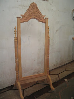 furniture klasik pigura goyang ukir klasik pigura goyang mentah mahoni supplier pigura ukir jepara mentah mahoni supplier pigura ukir klasik