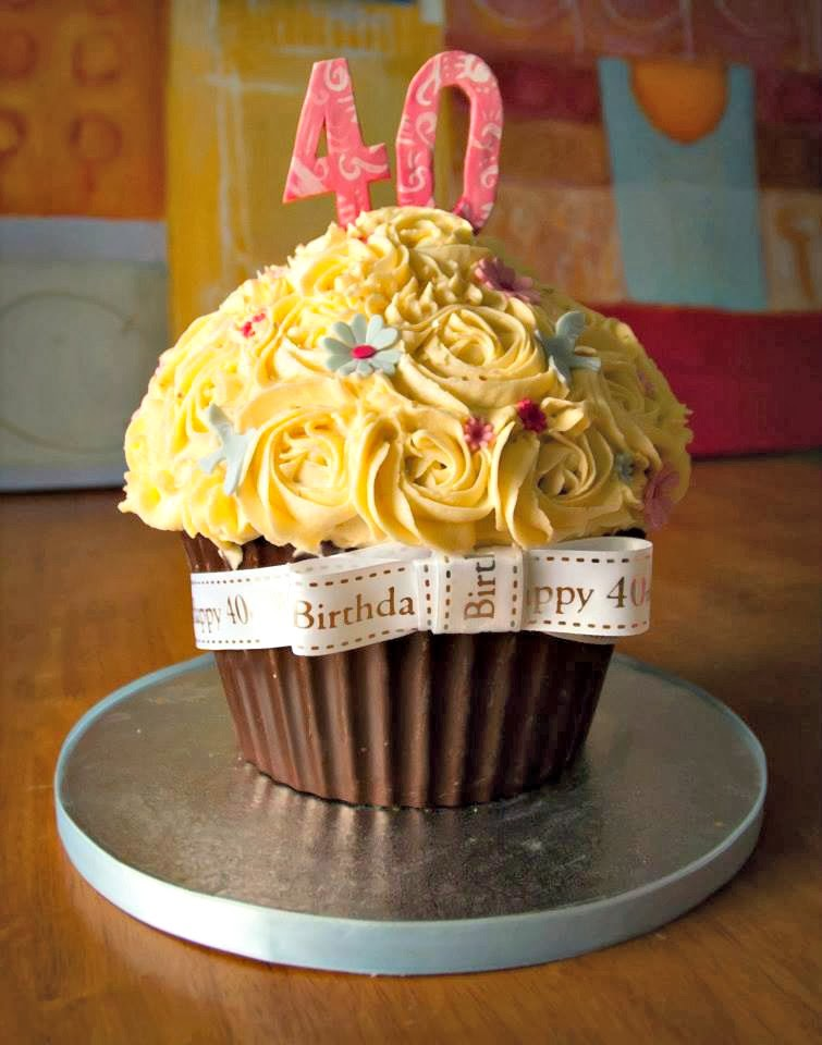 40th Cupcake Birthday Cake