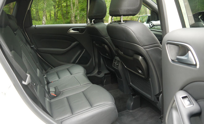 Mercedes-Benz B180 Eco SE rear interior